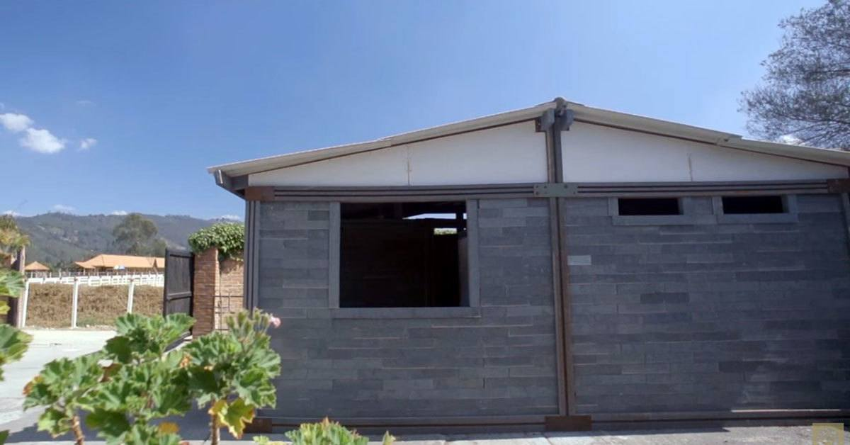 Revolutionary Invention - Plastic Waste Converted Into Homes Which Cost Only $280